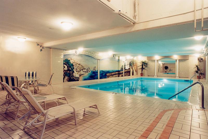 Century Plaza & Spa Pool