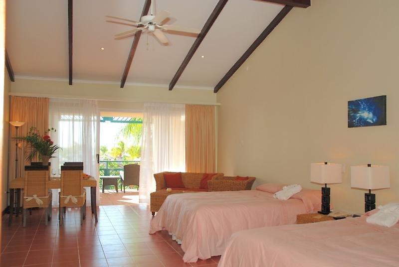 Plaza Beach Resort Bonaire Wohnbeispiel