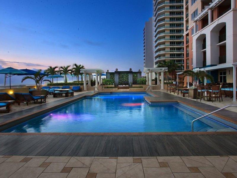 Marriott´s BeachPlace Towers Pool
