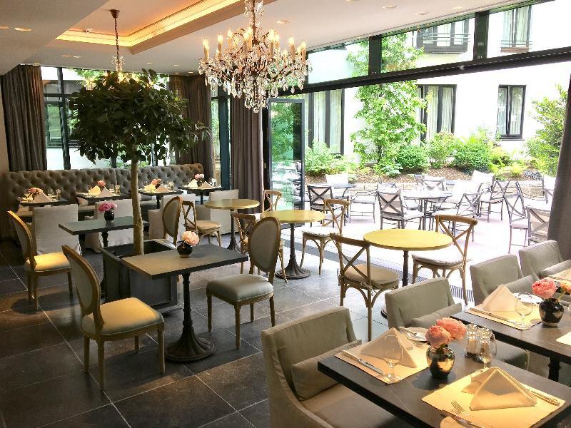 München Palace Restaurant