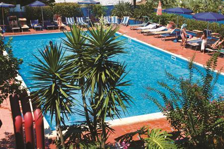 Residence Esmeraldo Pool
