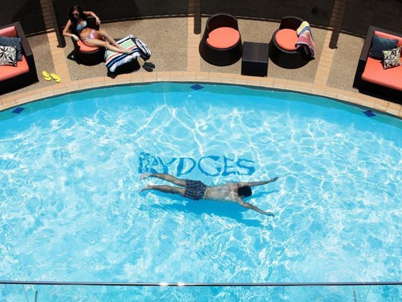 Rydges Gladstone Pool