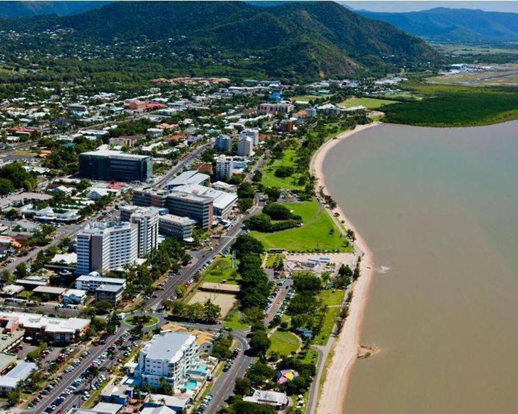 Rydges Esplanade Cairns Resort Landschaft