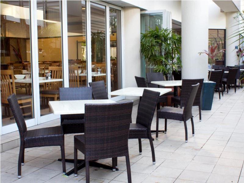 Rydges Esplanade Cairns Resort Terrasse