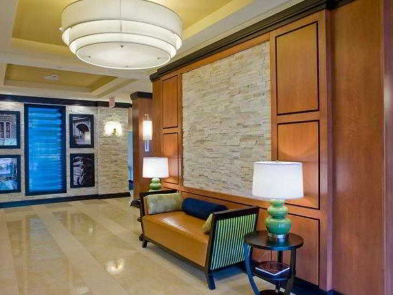 Fairfield Inn & Suites Columbus Lounge/Empfang
