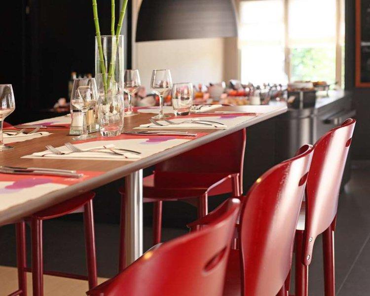 Campanile de Poitiers - Site du Futuroscope Restaurant