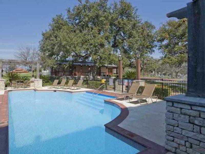 DoubleTree by Hilton Austin - University Area Pool