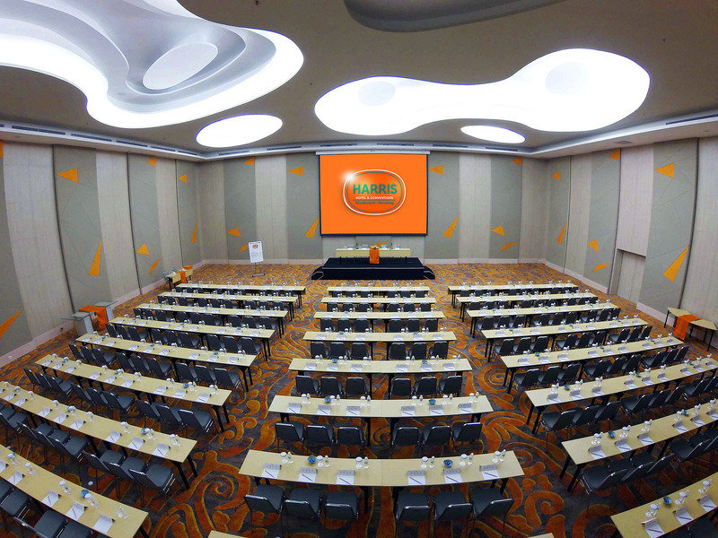 HARRIS Hotel & Convention Ciumbuleuit Bandung Konferenzraum