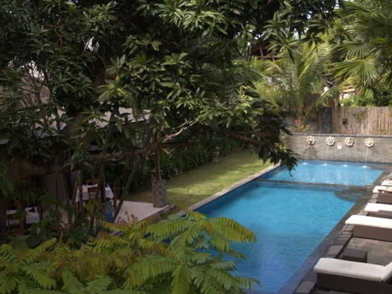 Puri Maharani Pool
