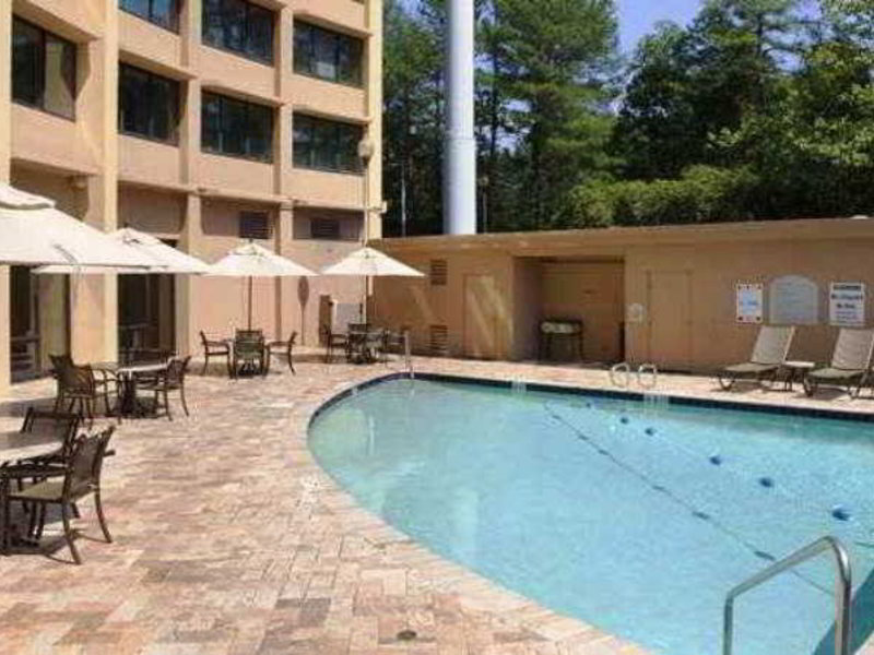 Doubletree North Druid Hills - Emory Area Pool