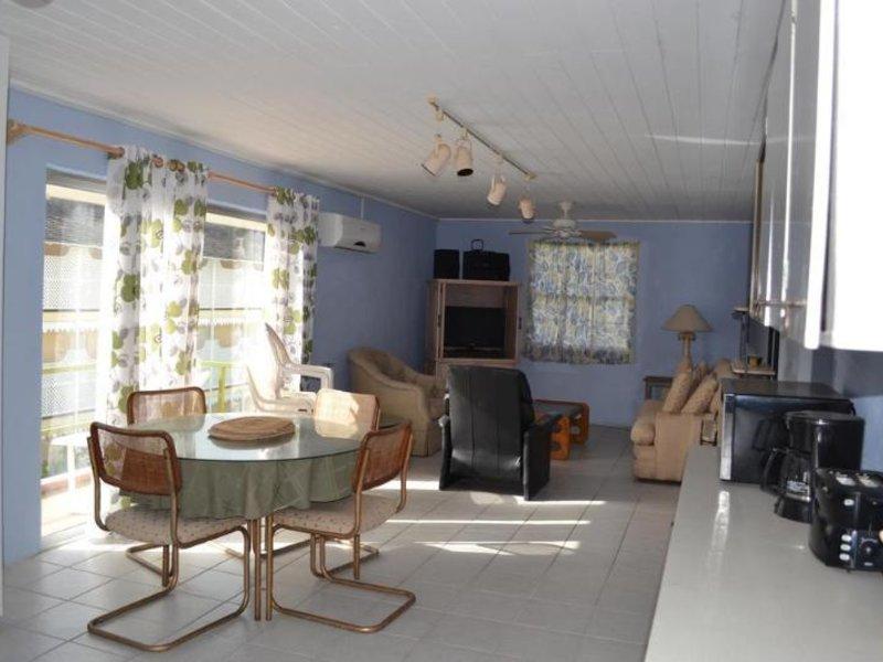 Meridian Inn Lounge/Empfang