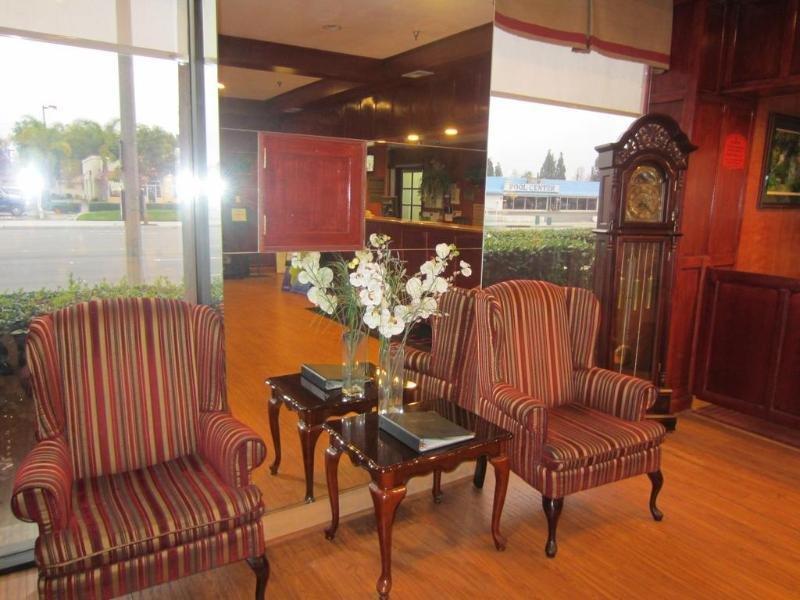 Ramada by Wyndham Anaheim Convention Center Lounge/Empfang