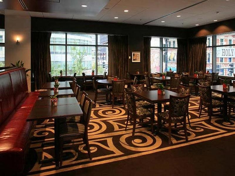 Residence Inn by Marriott Downtown Chicago River North Restaurant