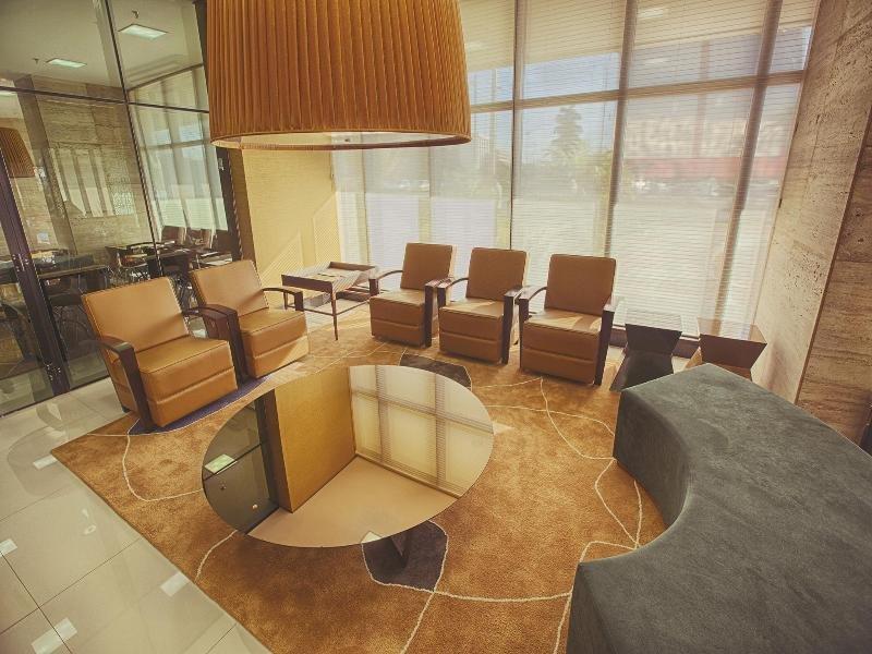 Athos Bulcao HPlus Executive Lounge/Empfang