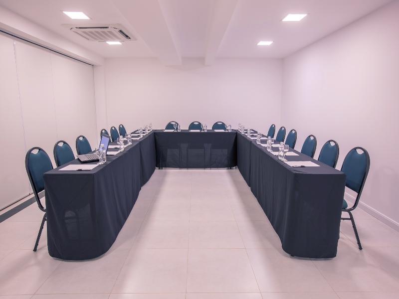 Athos Bulcao HPlus Executive Konferenzraum