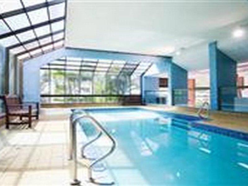 BreakFree Longbeach Pool