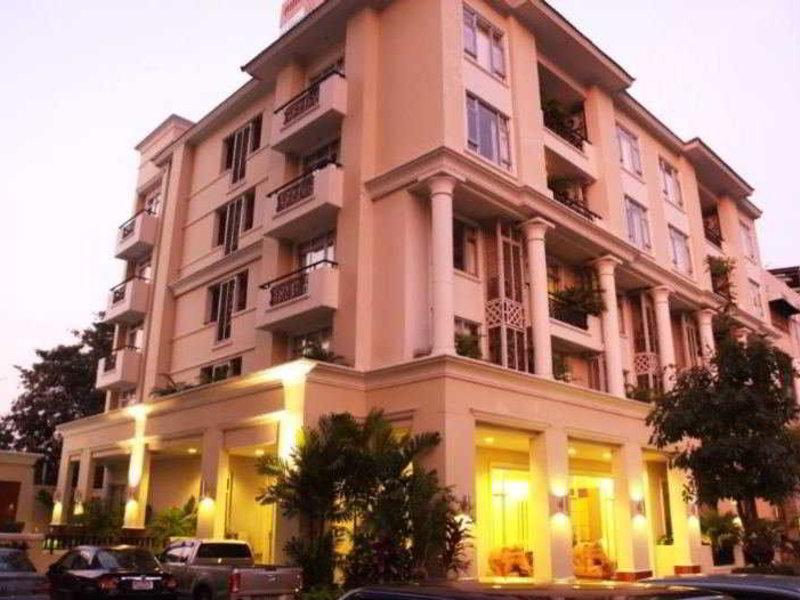 Asoke Residence Sukhumvit Außenaufnahme