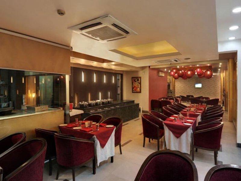 FabHotel White Klove Restaurant