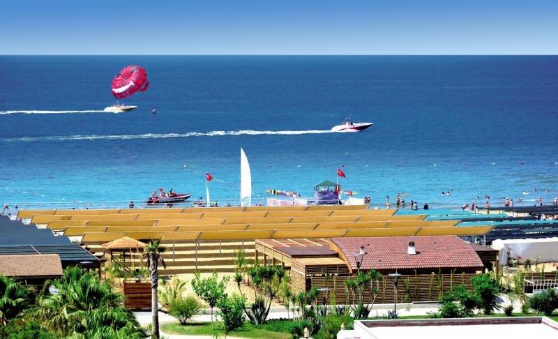 Port Side ResortStrand
