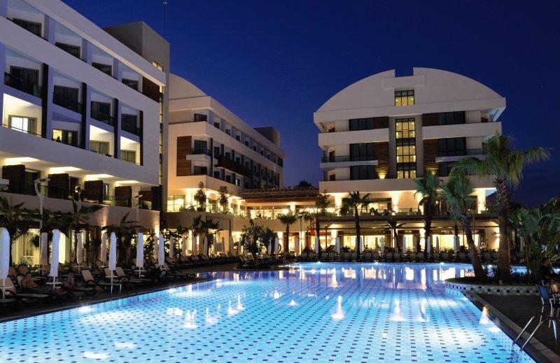 Port Side ResortPool