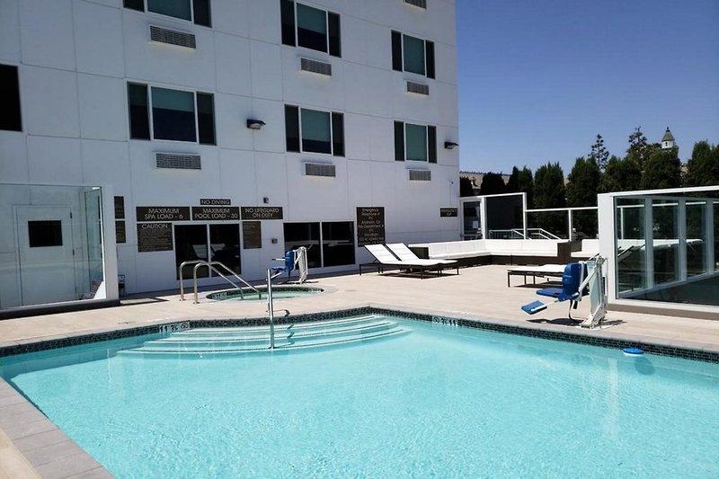 Wyndham Garden Anaheim  Pool