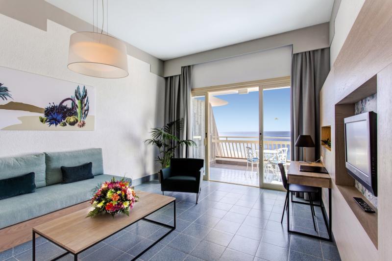 Suite Hotel Fariones PlayaWohnbeispiel