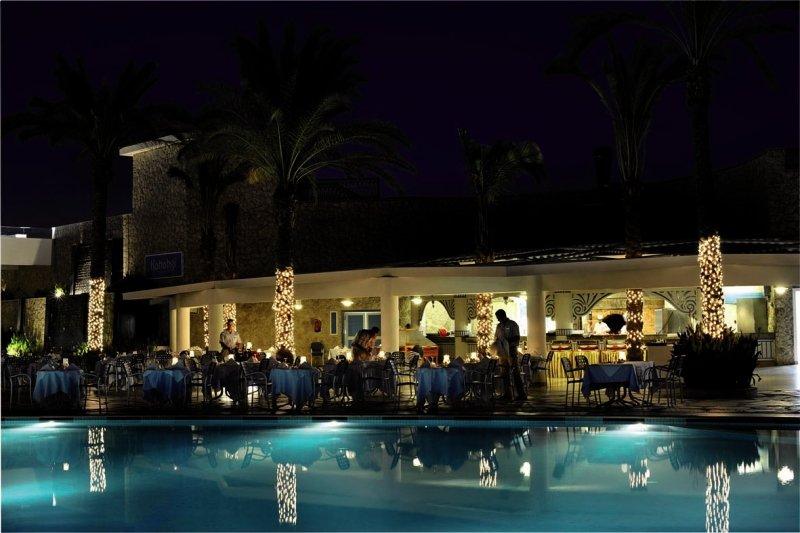 Reef Oasis Blue Bay Resort & SpaRestaurant
