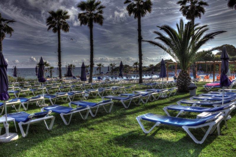 Auramar Beach Resort Garten
