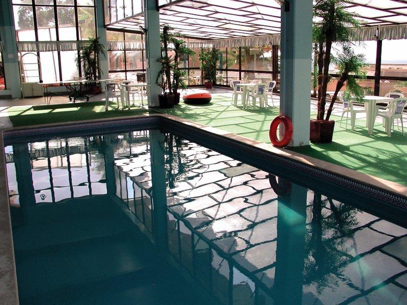 Auramar Beach Resort Hallenbad