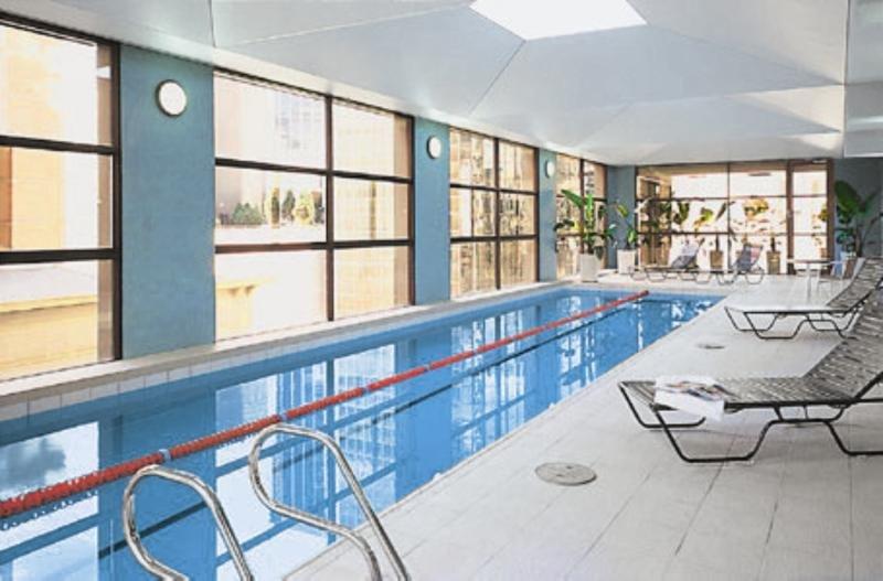 Adina Apartment Hotel Melbourne Pool