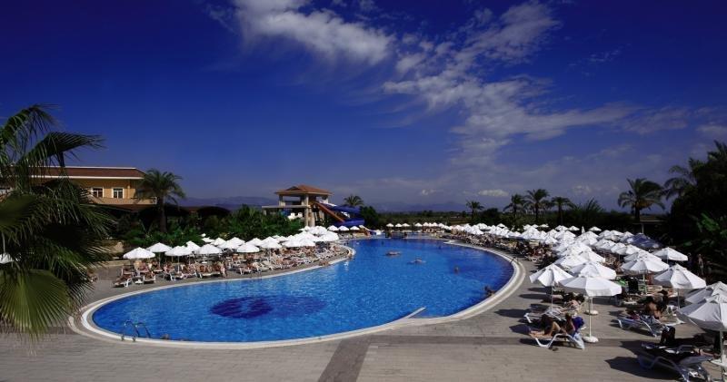 Crystal Paraiso Verde Resort & Spa Pool