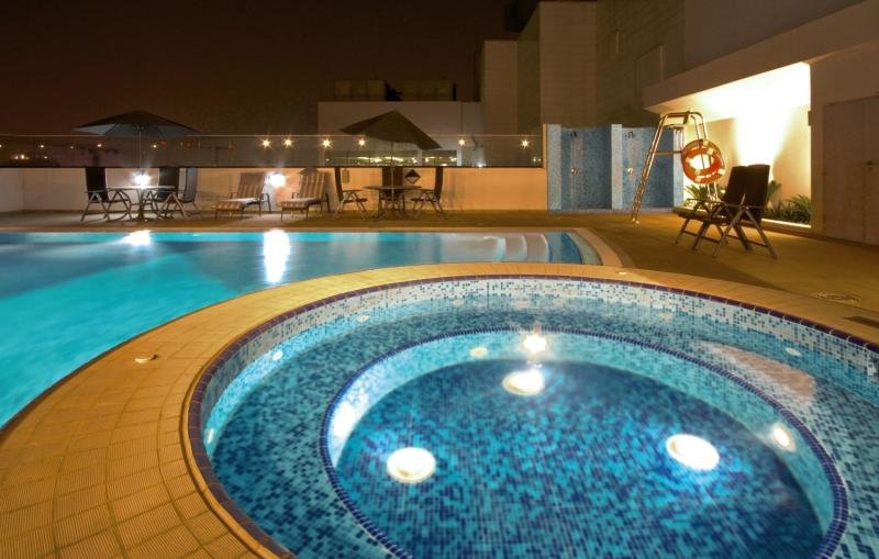 Ramada Chelsea Al Barsha Pool