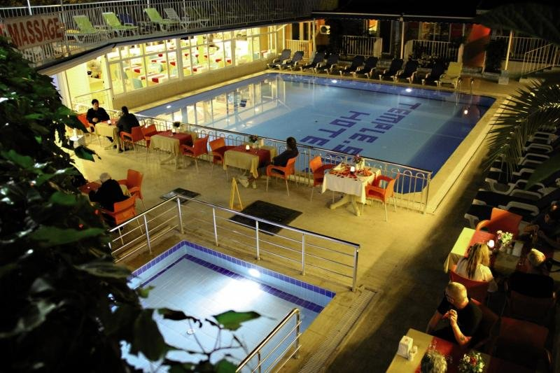Side Temple Pool