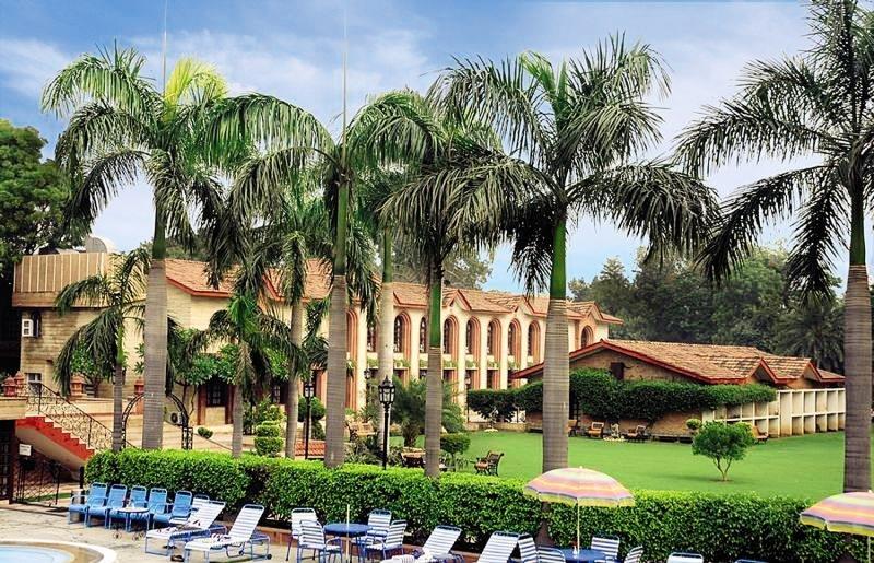 Ashok Country Resort Garten