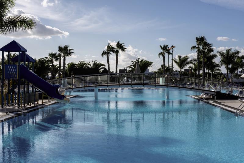 THB Tropical Island Pool