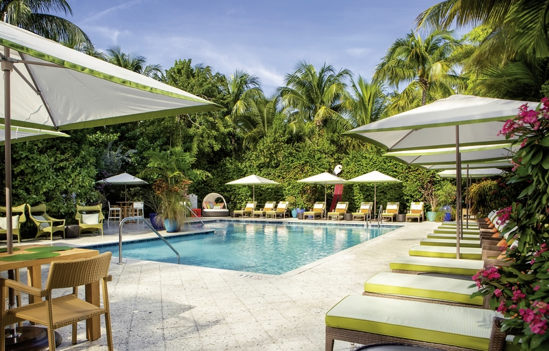 Parrot Key Hotel & Resort Pool