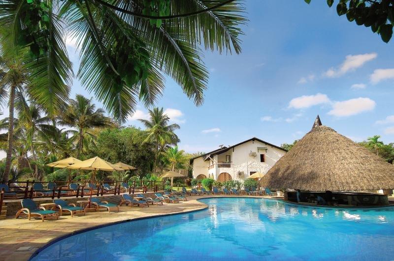 Pinewood Beach Resort & Spa Pool