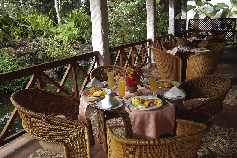 Pinewood Beach Resort & Spa Restaurant