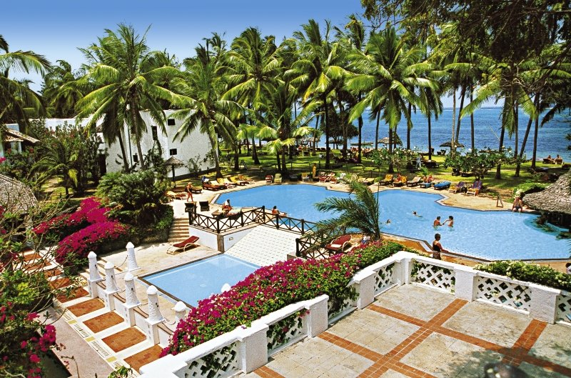 Serena Beach Resort & Spa Pool