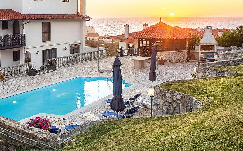 Residencial Agua de Madeiros Pool