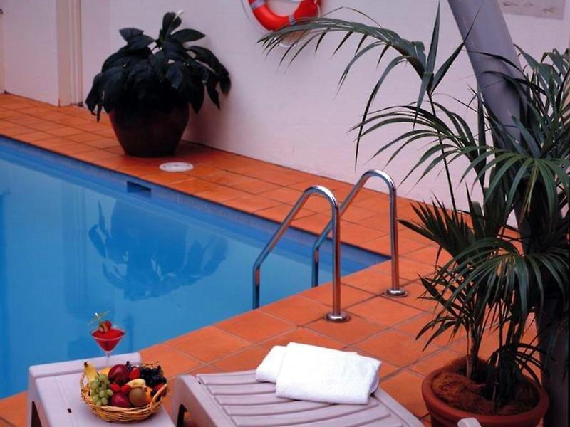 Novotel Sydney Parramatta Pool