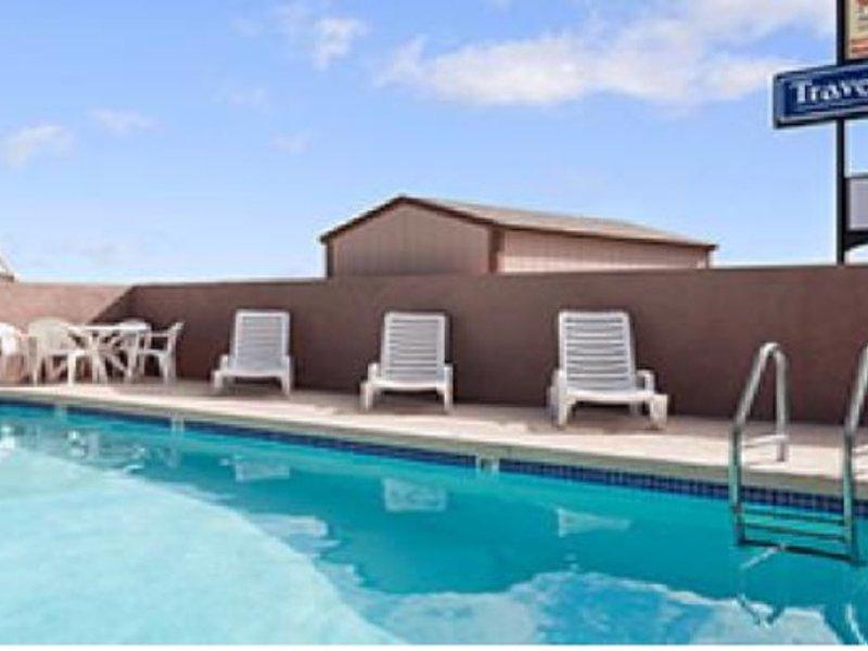 Travelodge Flagstaff Pool