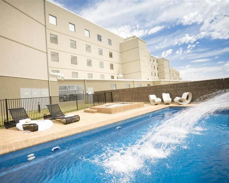 Rydges Mount Panorama Bathurst Pool