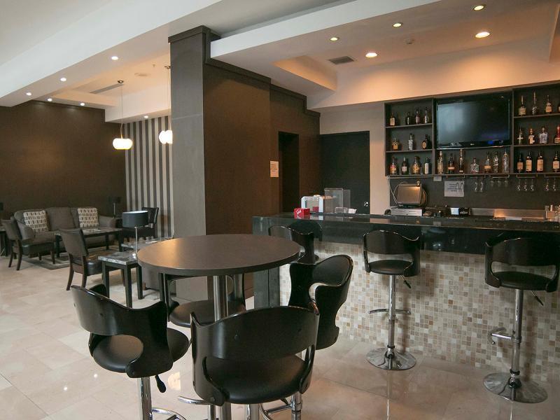 Victoria Hotel & Suites Panama Bar