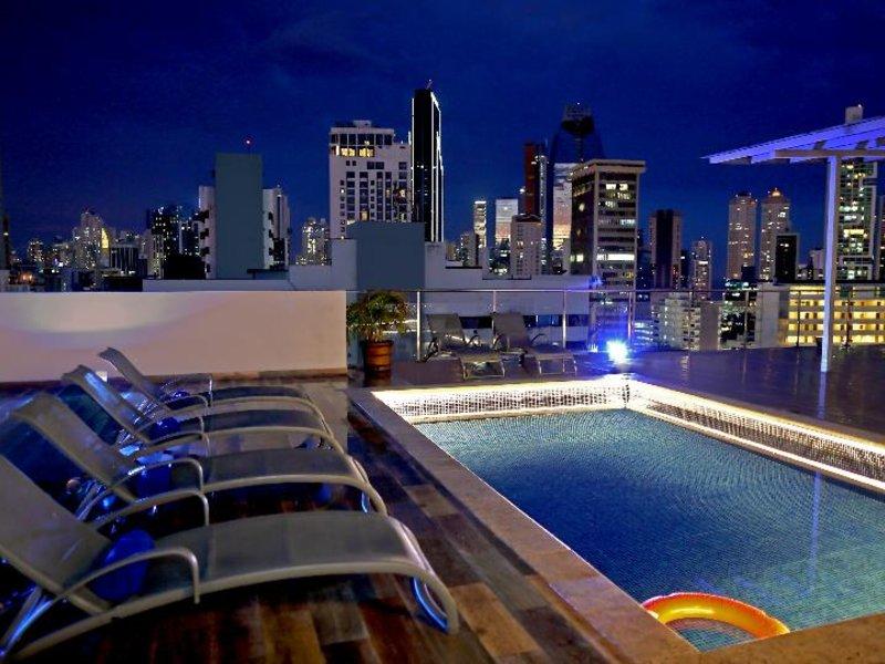 Victoria Hotel & Suites Panama Pool