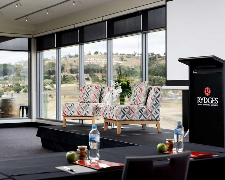 Rydges Mount Panorama Bathurst Bar