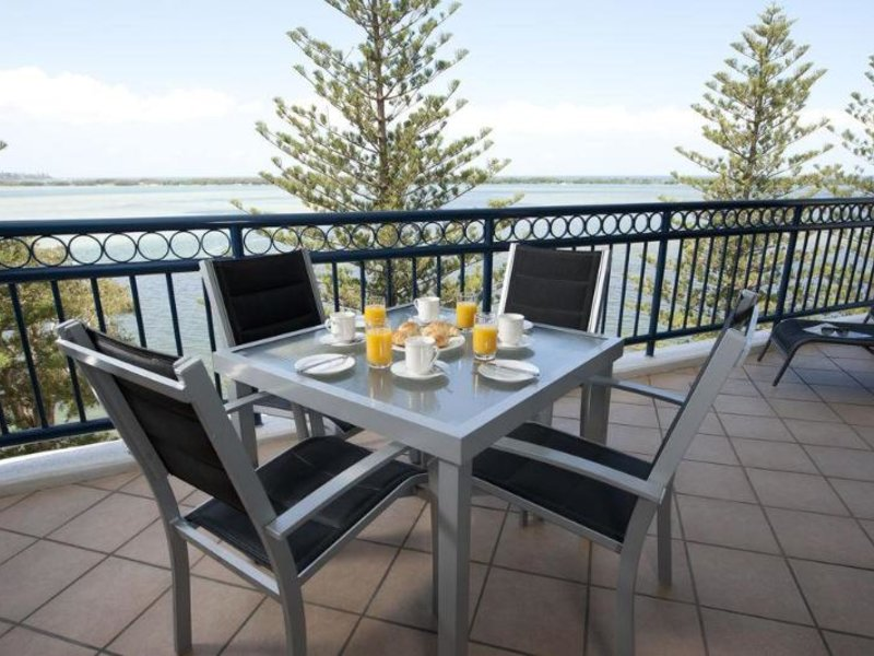 Ramada Resort Golden Beach Terrasse