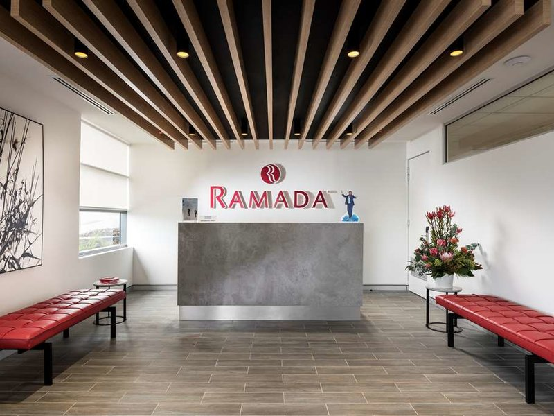 Ramada VetroBlu Scarborough Beach Lounge/Empfang