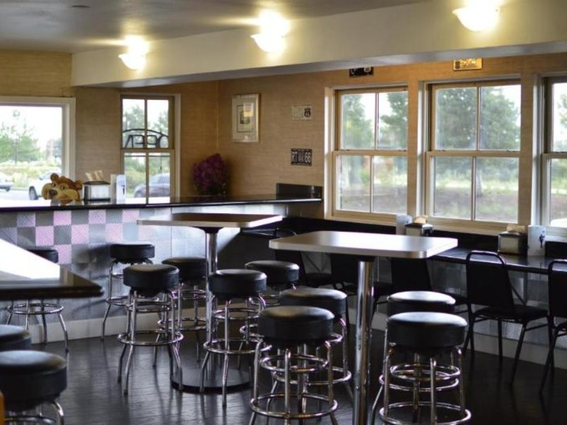 Travelodge Flagstaff Bar