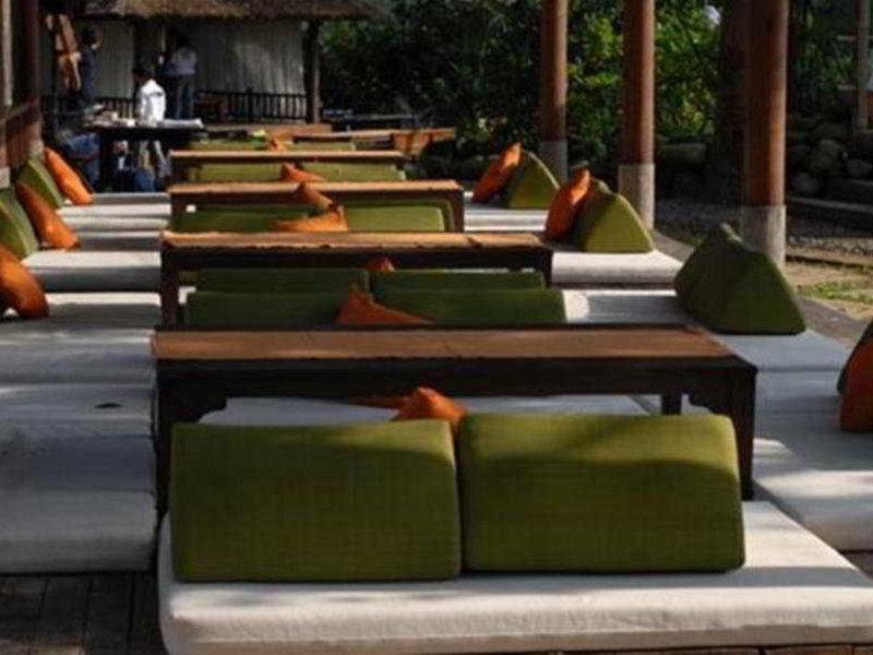 The Green Forest Resort Terrasse